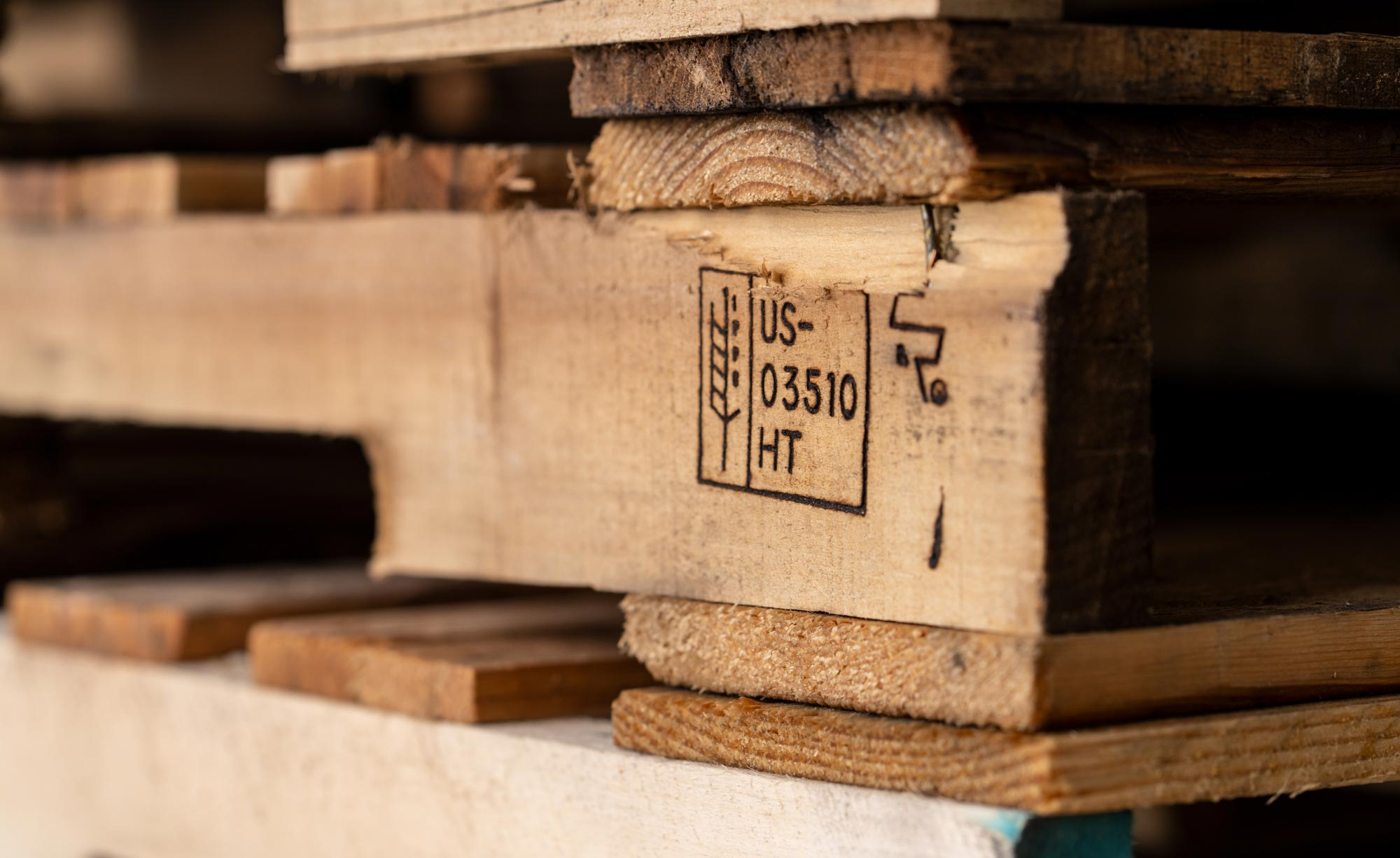 Royal Pallets | Full Service Pallet Supplier in West Michigan